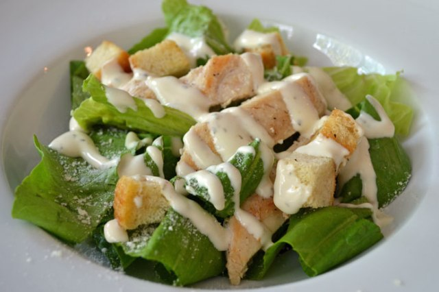 chickencaesarsalad1