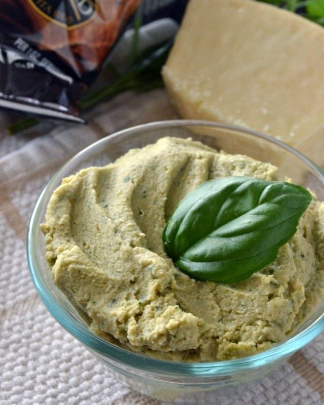Pesto-Hummus-1